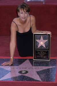 Jamie Lee Curtis receiving Hollywood Walk of Fame StarSeptember 1998© 1998 Gary Lewis - Image 24300_0477