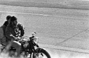 Steve McQueen and Ali MacGrawcirca 1970s© 1978 Gary Lewis - Image 24300_0570