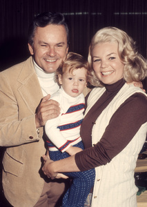 Bob Crane and his wife, Sigrid Valdis, and their son, Scottcirca 1972© 1978 Gary Lewis - Image 24300_0661