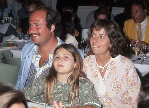 Rob Reiner and Penny Marshall, with their daughter, Tracy Henry Reinercirca 1970s© 1978 Gary Lewis - Image 24300_0679