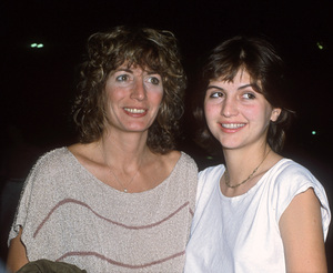 Penny Marshall and her daughter, Tracy Henry Reinercirca 1980s© 1980 Gary Lewis - Image 24300_0684