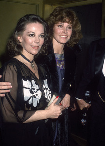 Natalie Wood and Stefanie Powerscirca 1980s© 1980 Gary Lewis - Image 24300_0693