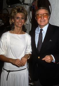 Olivia Newton-John and Gene Kelly1980© 1980 Gary Lewis - Image 24300_0694