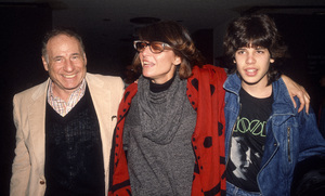Mel Brooks, Anne Bancroft and their son, Maxcirca 1985© 1985 Gary Lewis - Image 24300_0715