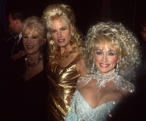 """Olympia Dukakis, Daryl Hannah and Dolly Parton at the premiere of """"Steel Magnolias""""1989© 1989 Gary Lewis - Image 24300_0717"""