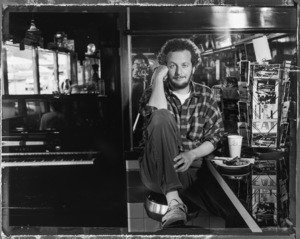 Daniel Stern at the Empire Diner in New York City 1993 © 1993 Ken Shung - Image 24302_0009