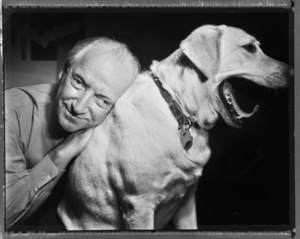 Michael Graves photographed with his dog in Princeton, New Jersey1999 © 1999 Ken Shung - Image 24302_0028