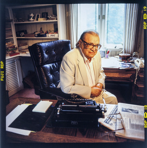 Mario Puzo photographed at his home in Long Island, New York 1996 © 1996 Ken Shung - Image 24302_0203