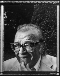 Mario Puzo photographed at his home in Long Island, New York 1996 © 1996 Ken Shung - Image 24302_0209