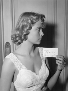 "Grace Kelly hair test for the murder scene of ""Dial M for Murder""1954** I.V. - Image 24322_0076"