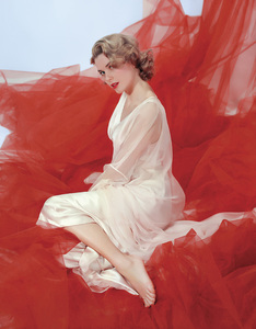 """Grace Kelly in the """"preview of coming attractions"""" nightgown1954** I.V. - Image 24322_0087"""