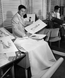 """Jean Louis with designs for Dorothy Lamour in """"Lulu Belle""""1948© 1978 Ned Scott Archive - Image 24327_0026"""