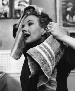 """""""The Gale Storm Show: Oh! Susanna"""" (Episode: How to Catch a Man)Gale Storm in her dressing room 1958© 1978 Richard R. Hewett - Image 24328_0022"""