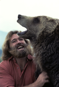 """""""The Life and Times of Grizzly Adams"""" Dan Haggerty 1977 © 1978 Richard R. Hewett"""