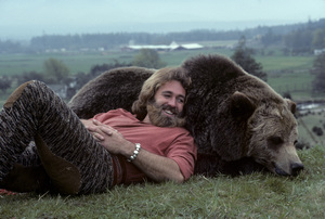 """The Life and Times of Grizzly Adams""Dan Haggerty1977© 1978 Richard R. Hewett - Image 24328_0088"