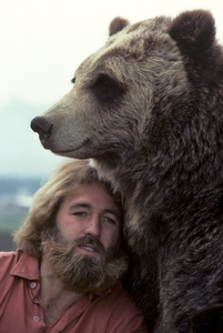 """The Life and Times of Grizzly Adams""Dan Haggerty1977© 1978 Richard R. Hewett - Image 24328_0089"