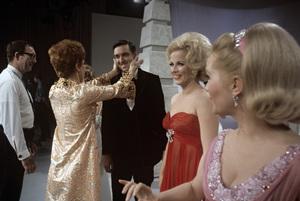 """Jim Nabors Special""Carol Burnett, Mary Costa, Vikki Carr, Jim Nabors, Debbie Reynolds1968© 1978 Richard R. Hewett - Image 24328_0109"