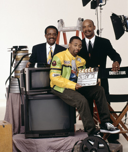 Johnnie Cochran, Spike Lee and Olden Lee 1996© 1996 Bobby Holland - Image 24331_0040