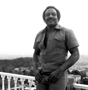 Jim Brown at his Hollywood Hills Home  1976© 1978 Bobby Holland - Image 24331_0073