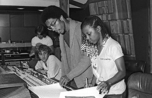 Patrice Rushen and Charles Mims Jr. (Co-Producer) at Conway Recording Studios in Los Angelescirca 1980s© 1980 Bobby Holland - Image 24331_0106