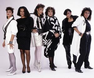 Klymaxx (Bernadette Cooper, Lorena Shelby, Cheryl Cooley, Lynn Malsby, Robbin Grider) 1986© 1986 Bobby Holland - Image 24331_0133