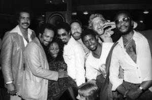 "Quincy Jones with Chaka Khan, Tony Maiden, Kevin Murphy, John ""J.R."" Robinson, Bobby Watson, Dave ""Hawk"" Wolinski and George Johnson  circa 1980s© 1980 Bobby Holland - Image 24331_0152"