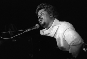 D.J. Rogers performing live in Los Angelescirca mid 1980s© 1985 Bobby Holland - Image 24331_0310