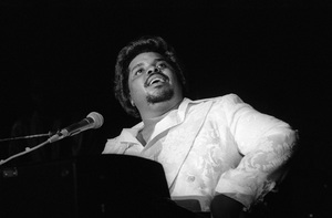 D.J. Rogers performing live in Los Angelescirca mid 1980s© 1985 Bobby Holland - Image 24331_0311