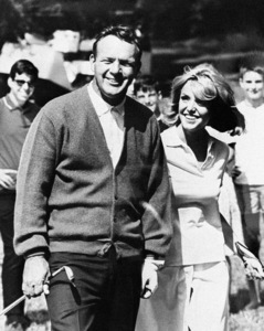 Arnold Palmer wearing a Robert Bruce Sweater1966© 1978 Barry Kramer - Image 24354_0023
