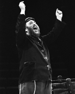 """Zero Mostel performing in """"Fiddler on the Roof"""" at the Westbury Music Fair in New York1971© 1978 Barry Kramer - Image 24354_0045"""