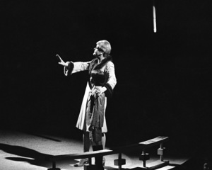 "Angela Lansbury performing in ""Mame"" at the Westbury Music Fair in New York1972© 1978 Barry Kramer - Image 24354_0047"