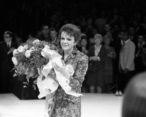 Judy Garland performing at the Westbury Music Fair in New York1967 © 1978 Barry Kramer - Image 24354_0061
