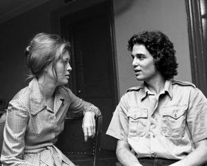 "Faye Dunaway rehearsing with Chris Sarandon for ""Candida"" at Playhouse in the Park in New York1971© 1978 Barry Kramer - Image 24354_0080"
