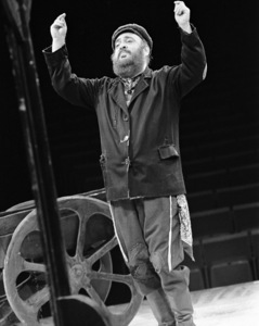"Zero Mostel performing in ""Fiddler on the Roof"" at Westbury Music Fair in New York 1971 © 1978 Barry Kramer - Image 24354_0094"