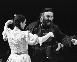 """Zero Mostel performing in """"Fiddler on the Roof"""" at Westbury Music Fair in New York 1971© 1978 Barry Kramer - Image 24354_0127"""
