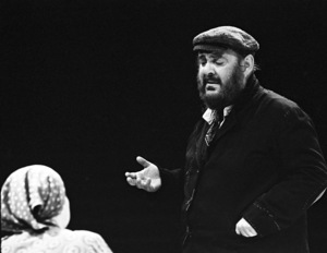 """Zero Mostel performing in """"Fiddler on the Roof"""" at Westbury Music Fair in New York 1971© 1978 Barry Kramer - Image 24354_0131"""