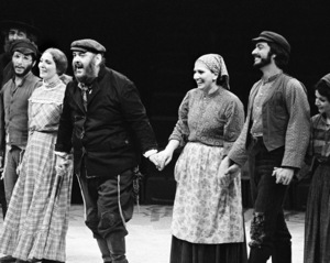 "Zero Mostel receiving a standing ovation for his performance in ""Fiddler on the Roof"" at the Westbury Music Fair in New York 1971 © 1978 Barry Kramer - Image 24354_0135"