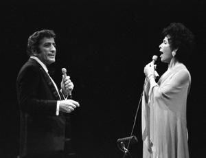 Tony Bennett performing with Lena Horne at Westbury Music Fair in New York 1974 © 1978 Barry Kramer - Image 24354_0175