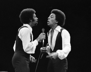 Gregory and Maurice Hines performing at Westbury Music Fair in New York 1971 © 1978 Barry Kramer - Image 24354_0193