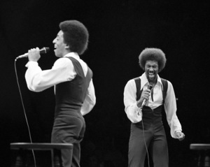 Gregory and Maurice Hines performing at Westbury Music Fair in New York 1971 © 1978 Barry Kramer - Image 24354_0195