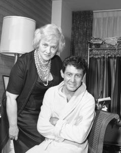 Eddie Fisher in his Americana Hotel suite1963© 1978 Barry Kramer - Image 24354_0234