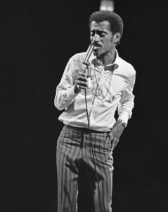 Sammy Davis Jr. performing at the Westbury Music Fair1972© 1978 Barry Kramer - Image 24354_0278