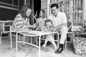 Regis Philbin at home with his wife Kay Faylen and their children Amy and Danny1967© 1978 Gene Trindl - Image 24355_0002