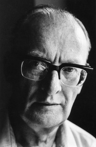 """Arthur C. Clarke at the Chelsea Hotel in New York City, where he wrote """"2001: A Space Odyssey""""circa 1964© 1978 Peter Angelo Simon - Image 24364_0001"""