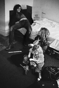Viva Hoffmann and daughter Gaby at the Chelsea Hotel in New York Citycirca 1970s© 1978 Peter Angelo Simon - Image 24364_0046