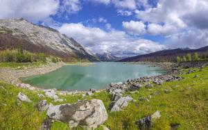 Medicine Lake in Jasper National Park, Alberta, Canada2016© 2017 Viktor Hancock - Image 24366_0018