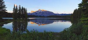 Two Jack Lake in Alberta, Canada2016© 2017 Viktor Hancock - Image 24366_0025