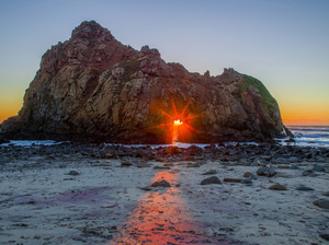 Pfeiffer Beach in Big Sur State Park, California2017© 2017 Viktor Hancock - Image 24366_0036