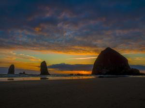 Haystack Rock at Cannon Beach, Oregon2016© 2017 Viktor Hancock - Image 24366_0043