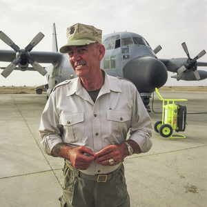 """R. Lee Ermey in Iraq filming the television show """"Mail Call""""2003© 2003 Viktor Hancock - Image 24366_0156"""
